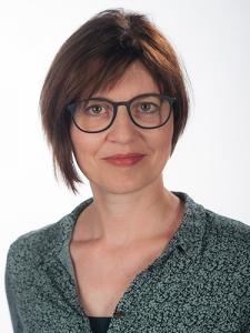 <center>Dr. Beatrix Bredel</center>